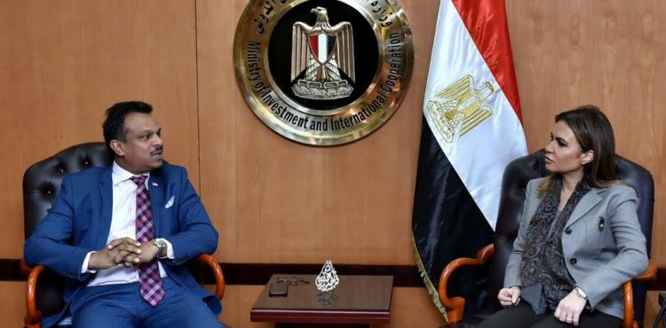 Nasr, Singapore Ambassador Discuss Investments in Egypt