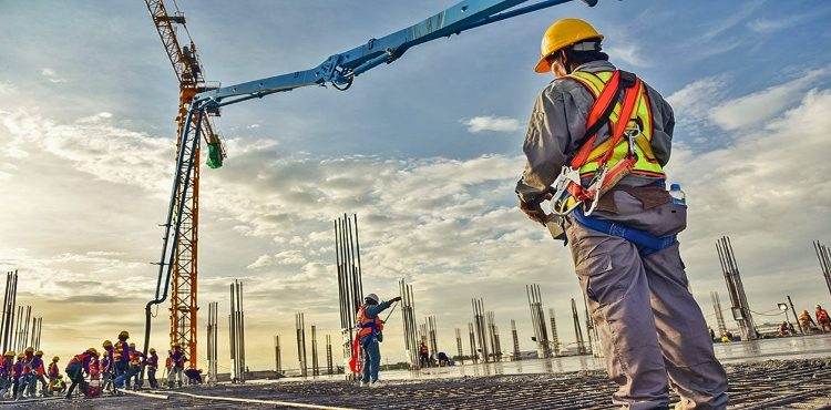 GCC Records USD 5.5 bn New Projects in April