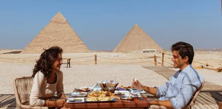 First Restaurant and Lounge Opens at Giza Pyramids