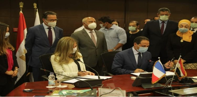 Gov't Inks EUR 1.14 bn Operation Contract for Cairo Metro Line III