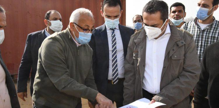 خالد عباس يتفقد مشروع تطوير «سور مجرى العيون»