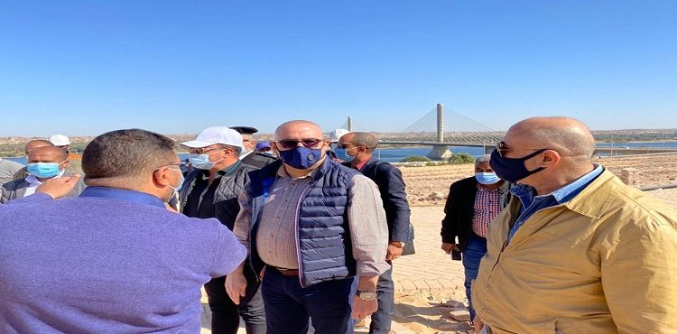 وزير الإسكان يتفقد مشروعات الشريط النهري السياحي بأسوان الجديدة