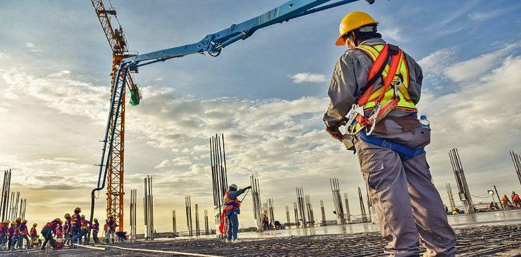انتعاشة جزئية في صناعة التشييد والبناء بالسوق العقاري المصري