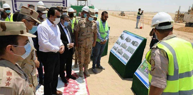 Abdel Ghaffar Inspects Construction Works of Suez Canal University