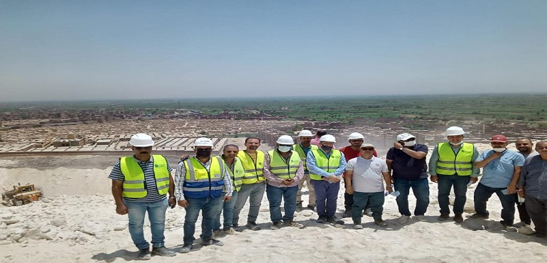 Housing Officials Inspect Projects of New Nasser and New Assiut Cities