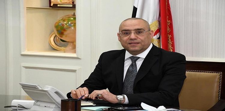 El Gazzar Follows up on Projects' Implementation in New Alamein City