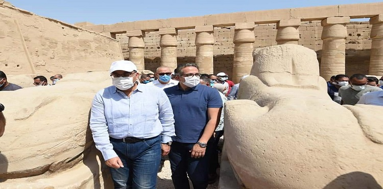 رئيس الوزراء يتفقد أعمال ترميم «معبد الكرنك» و«طريق الكباش» بالأقصر
