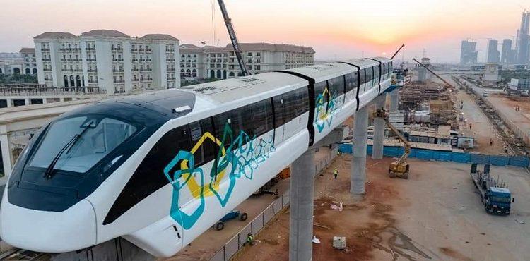 وزارة النقل تثبت أول قطار على مسار «مونوريل» العاصمة الإدارية